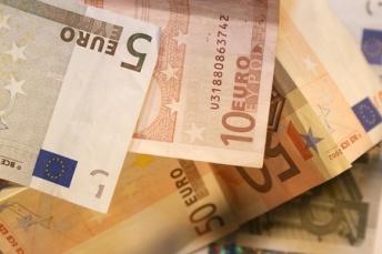 12192020 - euro, banknotes